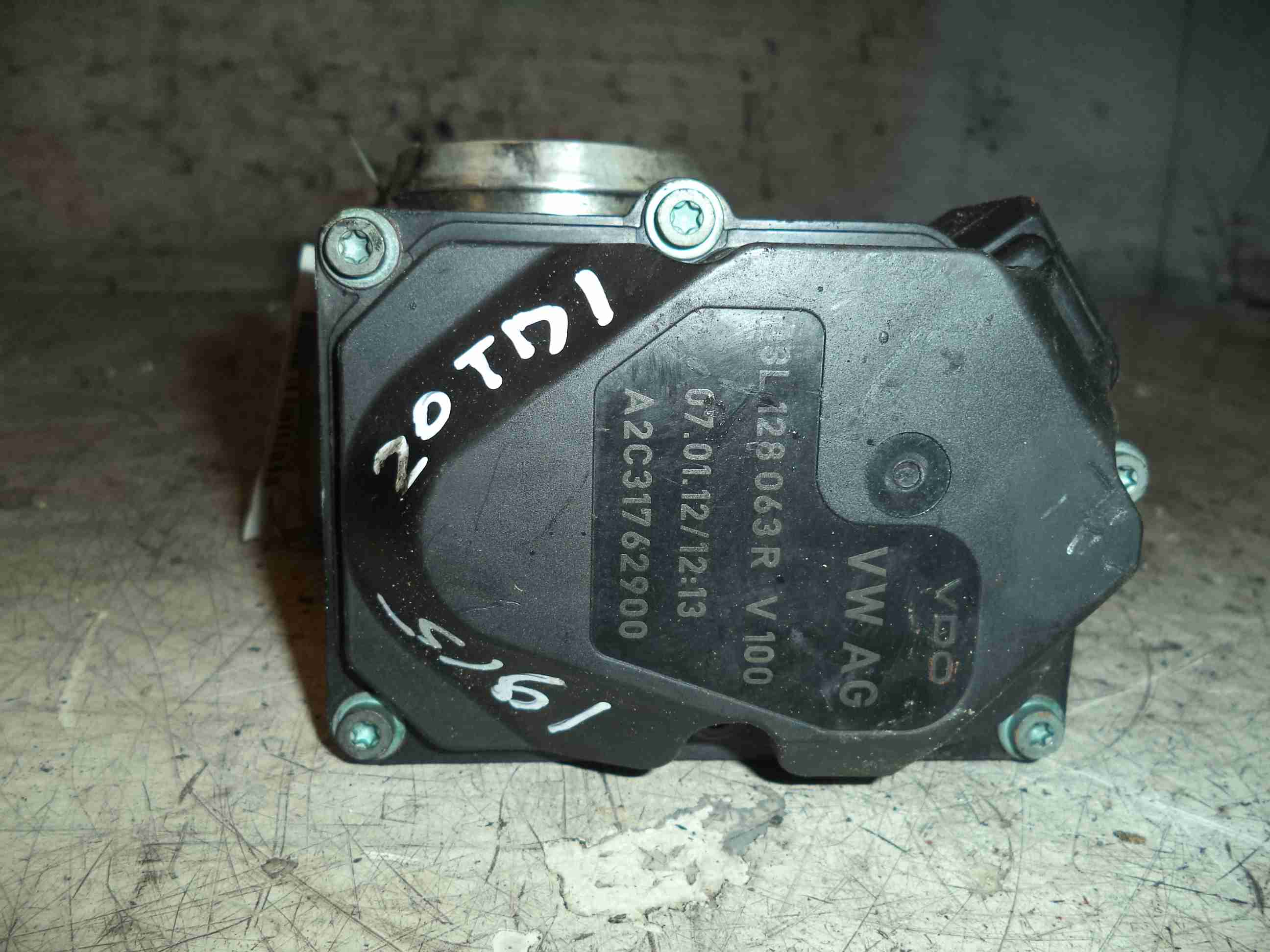 Заслонка дроссельная 03L128063R   Audi Q5 (8R) 2008 - 2017 2.0TDI