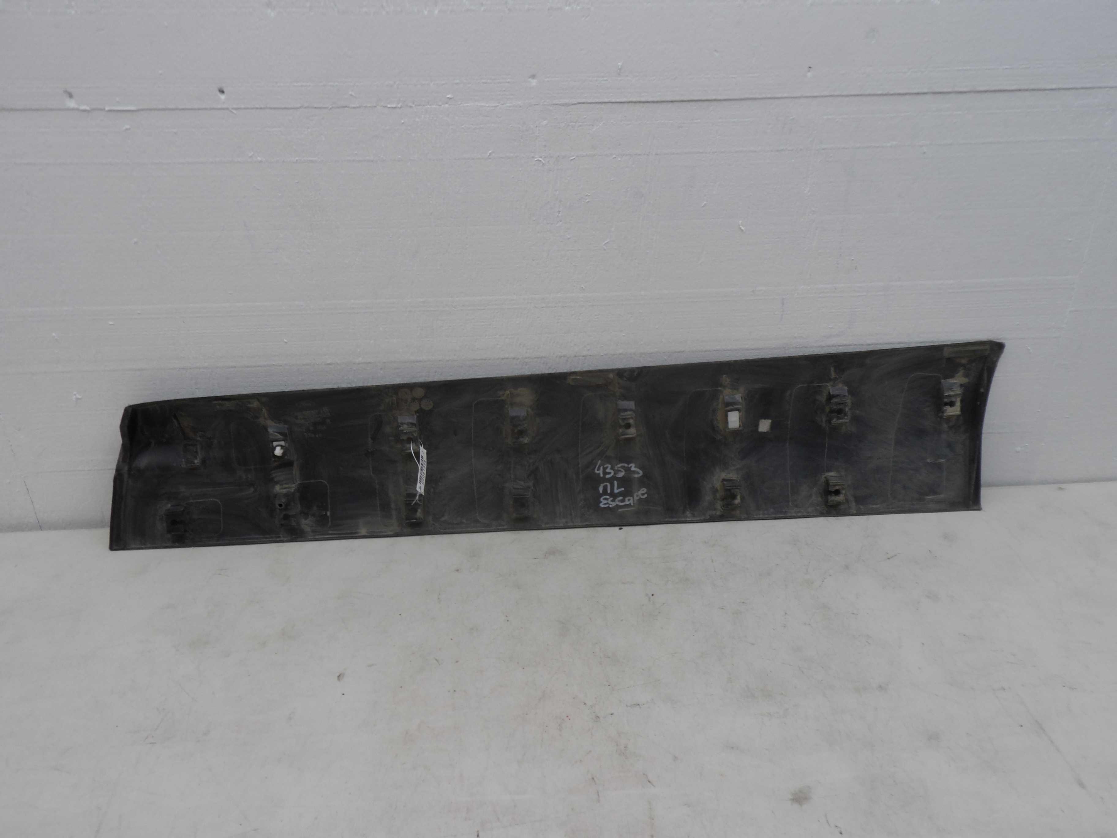 Молдинг дверей (комплект)   CJ54S20307AC