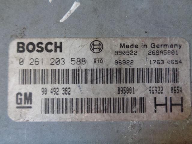 Блок управления ДВС 90492382  0261203588 Opel Omega B 1994 - 2003 2.5i