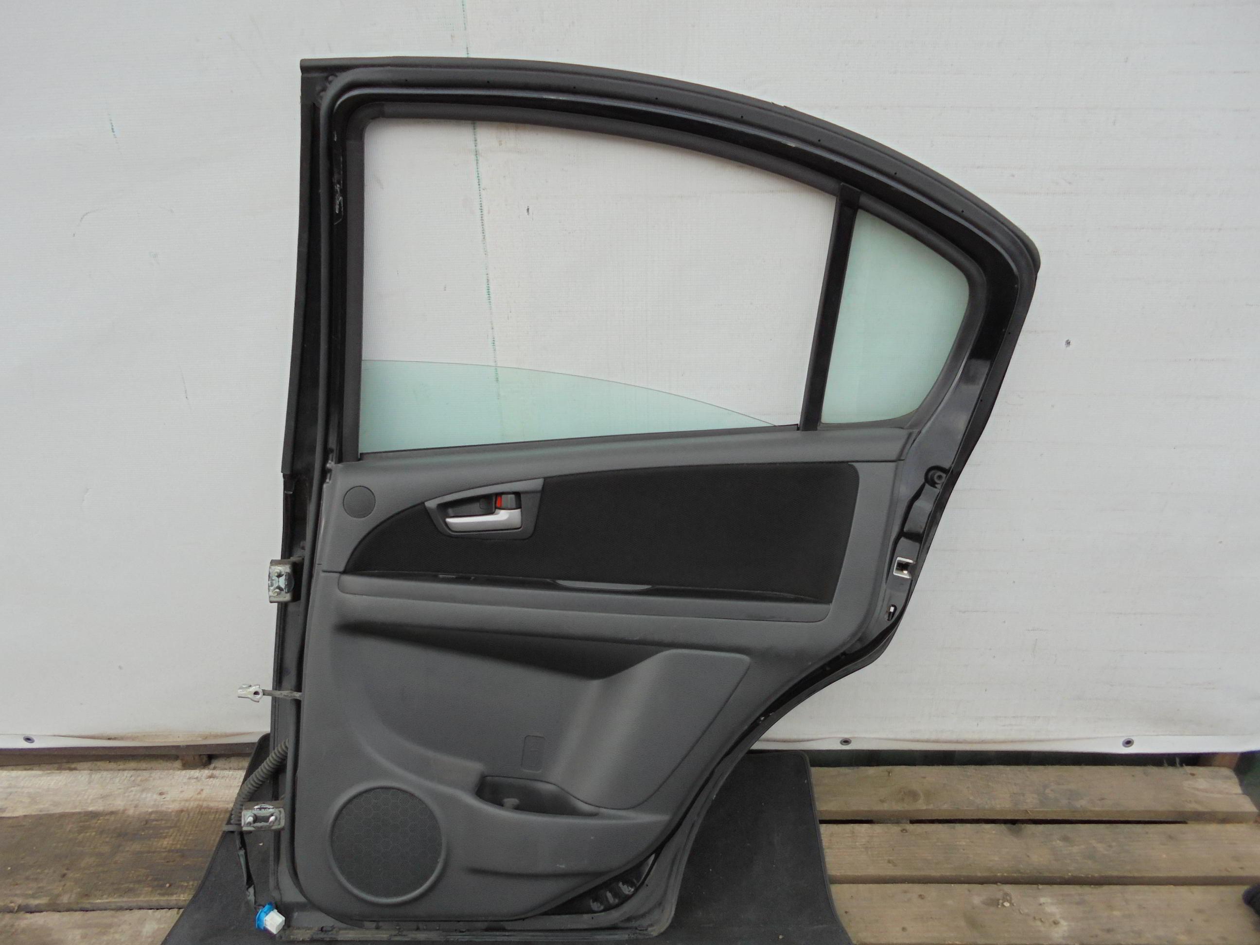 Дверь задняя правая Suzuki SX4 1