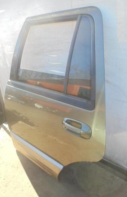 Дверь задняя левая    Ford Expedition II 2003 - 2006 5.4i